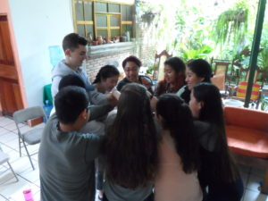 Glimpsers participating in the Human Knot activity