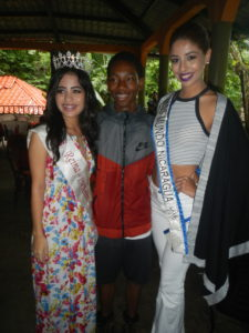 The birthday boy with Miss Matagalpa and Miss Nicaragua.